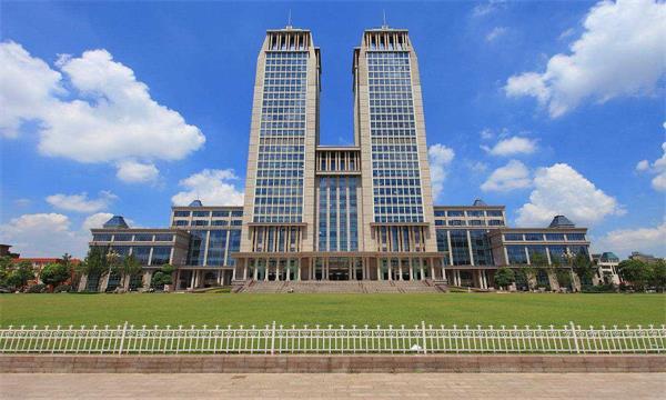 2018年中国综合类211大学排名