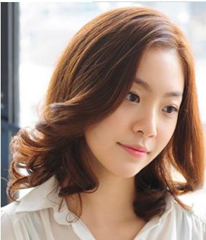 脸大的女生适合什么发型 脸大的女生适合剪短发吗图片