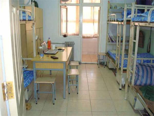广东南方职业学院环境宿舍