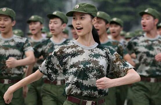 初中初中即将中考的新生军训,很多高一新生就是时都面临军训过,不没有知道双旺博白高一图片