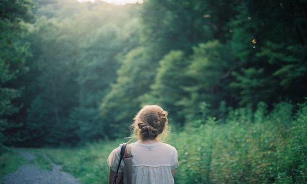 女孩子为什么会早恋?家长对待女孩子早恋的方法