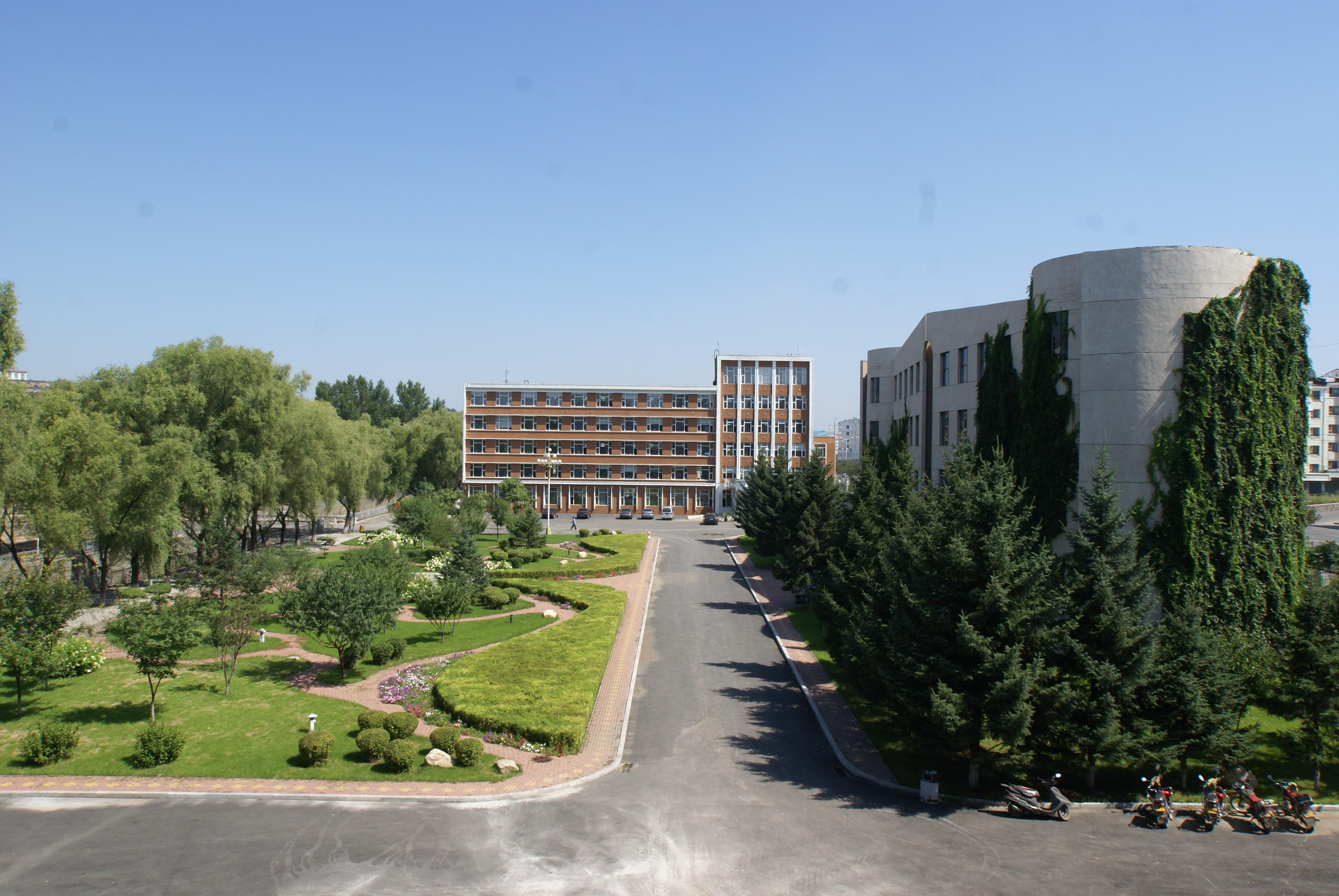 辽源职业技术学院是国家教育部批准成立的一所公立的,专科层次