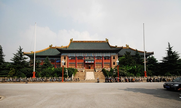 报考上海孩子故事初中专业学院最好的讲给体育图片